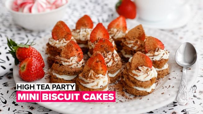 High tea party: Mini biscuit cakes
