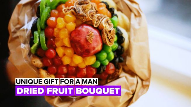 Edible bouquet: Fried fruit arrangement