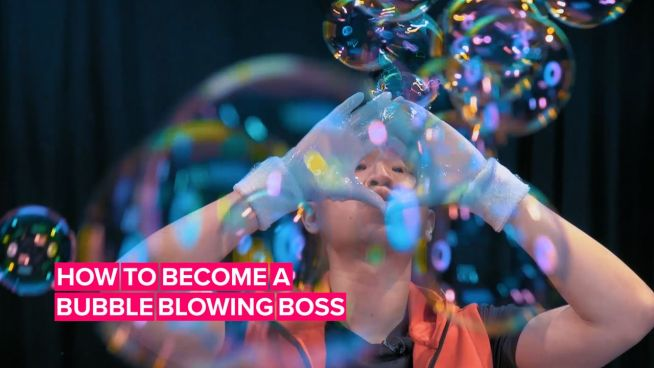 Learn how to blow bubbles from a true master